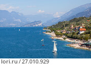 Купить «Озеро Гарда. Мальчезине. Италия», фото № 27010929, снято 5 сентября 2017 г. (c) Сергей Афанасьев / Фотобанк Лори