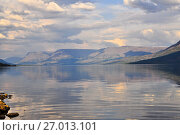 Купить «Плато Путорана, горное озеро», фото № 27013101, снято 30 июля 2015 г. (c) Сергей Дрозд / Фотобанк Лори