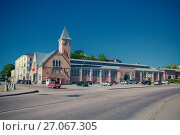 Купить «Выборг, здание рынка на Рыночной площади», фото № 27067305, снято 1 августа 2017 г. (c) Марина Володько / Фотобанк Лори