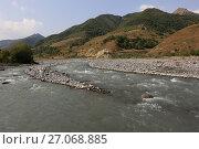Купить «Река Арагви. Грузия», фото № 27068885, снято 20 сентября 2017 г. (c) Яна Королёва / Фотобанк Лори