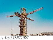 Купить «Панорама строительства на фоне синего неба», фото № 27070857, снято 25 мая 2019 г. (c) Сергеев Валерий / Фотобанк Лори
