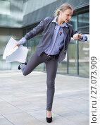 Купить «Professional woman hurrying to meeting», фото № 27073909, снято 6 мая 2017 г. (c) Яков Филимонов / Фотобанк Лори