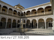 Купить «Courtyard of Pilate's House in Seville, Spain.», фото № 27100205, снято 5 августа 2017 г. (c) age Fotostock / Фотобанк Лори