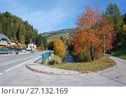 Альпийская деревня Бругг на реке Лизер, часть коммуны Реннвег-ам-Качберг. Каринтия, Австрия (2017 год). Стоковое фото, фотограф Bala-Kate / Фотобанк Лори