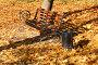 Скамейка в осеннем парке среди опавшей листвы, фото № 27132913, снято 22 октября 2017 г. (c) Щеголева Ольга / Фотобанк Лори