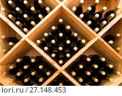 Купить «Винотека», фото № 27148453, снято 21 октября 2017 г. (c) Наталья Волкова / Фотобанк Лори