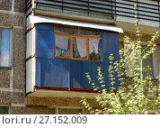 Купить «Четырнадцатиэтажный одноподъездный блочный жилой дом серии И-209, построен в 1971 году. 3-я Парковая улица, 27. Район Измайлово. Город Москва», эксклюзивное фото № 27152009, снято 7 мая 2017 г. (c) lana1501 / Фотобанк Лори