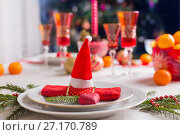 decoration of the Christmas table. Стоковое фото, фотограф Майя Крученкова / Фотобанк Лори