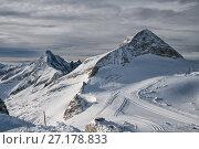 Купить «View of the ski slopes on the Hintertux Glacier», фото № 27178833, снято 6 января 2011 г. (c) Юлия Бабкина / Фотобанк Лори
