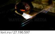 Welding torch is being used to melt jewellery in workshop 4k. Стоковое видео, агентство Wavebreak Media / Фотобанк Лори