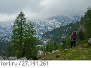 Турист в горах (2014 год). Редакционное фото, фотограф Сергей Юшинский / Фотобанк Лори