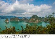 Залив Халонг Вьетнам (2017 год). Стоковое фото, фотограф Valeriy Ryasnyanskiy / Фотобанк Лори