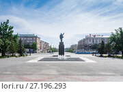 Купить «Komsomolskaya square, intersection of Lenin and Mira avenues / Russia, Orenburg region, Orsk», фото № 27196293, снято 2 июля 2017 г. (c) Вадим Орлов / Фотобанк Лори