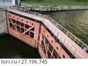 Купить «Шлюз № 7 Канала имени Москвы, нижние ворота», эксклюзивное фото № 27196745, снято 5 августа 2007 г. (c) Dmitry29 / Фотобанк Лори