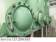 Revision hatch in the sand filter. Стоковое фото, фотограф Андрей Радченко / Фотобанк Лори