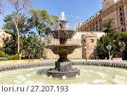 Philharmonic Fountain Park near the Old City in Baku, Azerbaijan (2015 год). Стоковое фото, фотограф Евгений Ткачёв / Фотобанк Лори