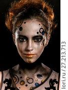 Купить «Young girl with a futuristic makeup», фото № 27213713, снято 9 ноября 2017 г. (c) Art Konovalov / Фотобанк Лори