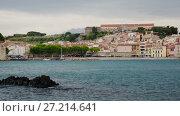 Купить «View of coastal village Collioure at south of France at spring day», видеоролик № 27214641, снято 17 мая 2017 г. (c) Яков Филимонов / Фотобанк Лори