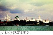 Купить «rostov kremlin from water», фото № 27218813, снято 27 августа 2016 г. (c) Яков Филимонов / Фотобанк Лори
