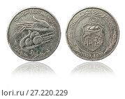 Купить «Coin one dinar. Tunisian Republic», фото № 27220229, снято 28 апреля 2016 г. (c) Евгений Ткачёв / Фотобанк Лори