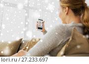 Купить «pregnant woman taking smartphone selfie at home», фото № 27233697, снято 24 ноября 2016 г. (c) Syda Productions / Фотобанк Лори