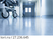 Каталка в коридоре больницы. Стоковое фото, фотограф Beerkoff / Фотобанк Лори
