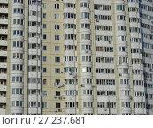 Купить «Многосекционный панельный жилой дом разной этажности серии И-155-С, построен в 2006 году. Курганская улица, 3. Район Гольяново. Город Москва», эксклюзивное фото № 27237681, снято 11 февраля 2010 г. (c) lana1501 / Фотобанк Лори