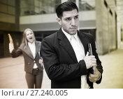 Купить «Sad man is upset with the reprimand for the results of the financial report», фото № 27240005, снято 20 августа 2017 г. (c) Яков Филимонов / Фотобанк Лори