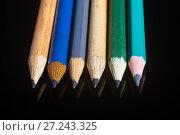 Купить «Шесть  простых карандашей на чёрном фоне», фото № 27243325, снято 27 ноября 2017 г. (c) Вадим Орлов / Фотобанк Лори