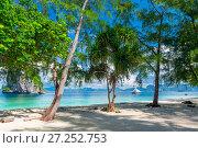 Купить «sandy beach with white sand and trees on the shore Poda island, Thailand», фото № 27252753, снято 9 ноября 2016 г. (c) Константин Лабунский / Фотобанк Лори