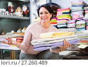 Купить «Adult woman with loop towels», фото № 27260489, снято 16 октября 2018 г. (c) Яков Филимонов / Фотобанк Лори