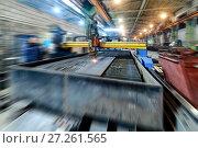 Купить «Oxygen torch cuts steel sheet.», фото № 27261565, снято 28 ноября 2016 г. (c) Андрей Радченко / Фотобанк Лори