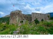 Купить «Стены цитадели с видом на горы, Старый Бар, Черногория», фото № 27281861, снято 24 сентября 2015 г. (c) Ольга Коцюба / Фотобанк Лори