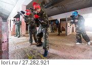 Купить «friends in red masks are ready for attack», фото № 27282921, снято 10 июля 2017 г. (c) Яков Филимонов / Фотобанк Лори