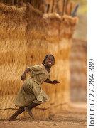 Купить «Ouled Rachid girl running, Bon Village, Zakouma National Park, Chad, 2010.», фото № 27284389, снято 14 ноября 2019 г. (c) Nature Picture Library / Фотобанк Лори