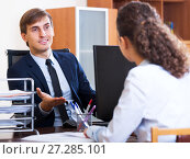 Купить «Friendly hr manager inreviewing competitor», фото № 27285101, снято 20 июля 2018 г. (c) Яков Филимонов / Фотобанк Лори
