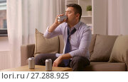 Купить «alcoholic drinking alcohol from can at home», видеоролик № 27288925, снято 10 декабря 2017 г. (c) Syda Productions / Фотобанк Лори