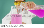 Купить «Schoolboy doing a chemical experiment in laboratory 4k», видеоролик № 27291245, снято 24 января 2020 г. (c) Wavebreak Media / Фотобанк Лори