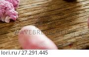 Купить «Various vegetable arranged on wooden table 4k», видеоролик № 27291445, снято 24 января 2020 г. (c) Wavebreak Media / Фотобанк Лори