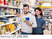 Купить «Couple deciding on best color scheme», фото № 27298905, снято 9 марта 2017 г. (c) Яков Филимонов / Фотобанк Лори