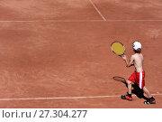 Мальчик играет в теннис. Стоковое фото, фотограф Скалдина Мария / Фотобанк Лори