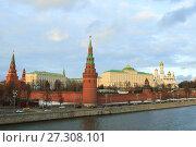 Traffic near Kremlin in Moscow (2016 год). Стоковое фото, фотограф Курганов Александр / Фотобанк Лори