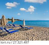 Купить «Summer morning beach (Chalkidiki, Greece).», фото № 27321497, снято 23 июля 2016 г. (c) Юрий Брыкайло / Фотобанк Лори