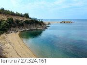 Купить «Summer sea coast (Sithonia, Greece).», фото № 27324161, снято 25 июля 2016 г. (c) Юрий Брыкайло / Фотобанк Лори
