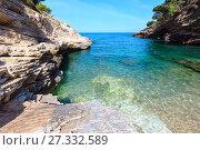 Купить «Summer Baia della Pergola beach, Puglia, Italy», фото № 27332589, снято 5 июня 2017 г. (c) Юрий Брыкайло / Фотобанк Лори
