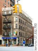Купить «Bookstore on Broadway. Нью-Йорк, США», фото № 27332793, снято 16 декабря 2017 г. (c) Валерия Попова / Фотобанк Лори