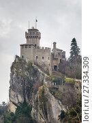 Купить «De La Fratta or Cesta tower, San Marino», фото № 27334309, снято 24 марта 2015 г. (c) Boris Breytman / Фотобанк Лори