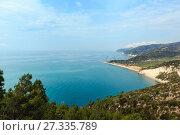 Summer sea coast Cala Rosa, Gargano, Puglia, Italy (2017 год). Стоковое фото, фотограф Юрий Брыкайло / Фотобанк Лори