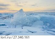 Купить «Озеро Байкал. Ледяные торосы на рассвете», фото № 27340161, снято 1 марта 2017 г. (c) Овчинникова Ирина / Фотобанк Лори