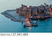 Купить «Castellammare del Golfo sea bay, Sicily, Italy», фото № 27341489, снято 17 июня 2017 г. (c) Юрий Брыкайло / Фотобанк Лори
